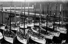 Ile De Groix * Thoniers à Port Tudy * Bateaux De Pêche * GROIX * Gaby Artaud N°27 - Groix