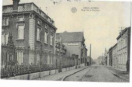 Deux-Acren  (M 5586)  Rue De La Station & Passage A Niveau Au Fond De La Rue - Lessines