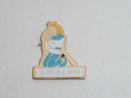 Pin's LES GROTTES DE NAOURS - Cities