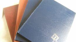 4 CLASSEURS POUR TIMBRES POSTE - Stockbooks
