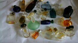 Miniature De Parfum  Lot De 23 Bouteilles Vides Différentes - Modern Miniatures (from 1961)