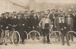 ROMILLY SUR SEINE - LA SORTIE DES CHEMINOTS  EN 1912 - TRES BELLE - ET RARE - CARTE PHOTO - GROUPE IMPORTANT - TOP !!! - Romilly-sur-Seine