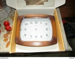 Horloge Horlogerie : Cadre De Pendule Sans Aiguille Ou Mécanisme De Marque Trophy - Otros