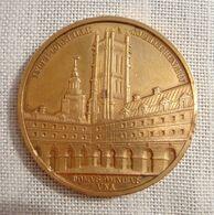 Médaille En Bronze Lycée Corneille Collège Henri IV - DOMUS-OMNIBUS UNA - SUNT HIC SUA PRAEMIA LAUDI -- Poids 42 Grs - D - Militair