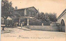 CPA St-Bathélémy - Un Coin Du Village Et Le Pont Du P.L.M - Otros