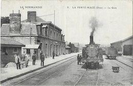 LA FERTE MACE: La Gare (avec Train)- 8 ELD - La Ferte Mace