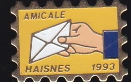 66648-Pin's . La Poste.PTT.Timbre.Haisnes-lez-la-Bassée. Pas-de-Calais En Région Hauts-de-France. - Post