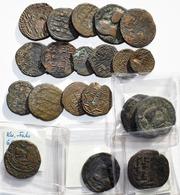 Islamische Münzen: Kleines Konvolut Von 20 Islamischer Bronzemünzen; U.a. Urtukiden Von Maradin Und - Islamiche