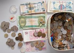 """Alle Welt: Urlaubsmitbringsel: Münzen Und Banknoten Aus Der Ganzen Welt, überwiegend """"Kleingeld / Ki - Monete"""