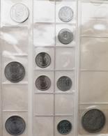Asien: Nettes Album Mit Ca. 90 Münzen, Dabei Ceylon, Malediven, Japan Und Hongkong. Auch Silbermünze - Otros – Asia