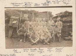 """Carte-Photo : Portrait Groupe Militaires Nommés - """"17e RI """"PC Quartier Des Carrières"""" - Mai 1917 """" (BP) - Krieg, Militär"""