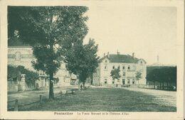 -- 25 -- PONTARLIER - La Place Morand Et Le Château D'eau - Pontarlier