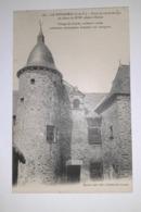 La Bouëxière - Tours Et Vieille Maison Du Début Du XVIIe Siècle à Chevré - Other Municipalities