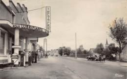 DOYET - Avenue Victor Hugo - Très Bon état - Otros Municipios
