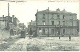 FR42 SAINT GENEST LERPT - Place De La Mairie - Tramway - Animée - Belle - Francia
