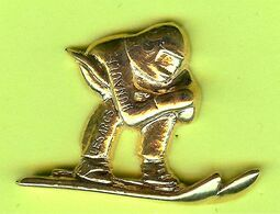 Pin's Skieur Doré (Relief) - 10A30 - Sport Invernali