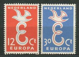 EUROPA  1958  PAYS-BAS , 2  VALEURS , TIMBRES  NEUFS SANS  TRACE  DE  CHARNIERE , A SAISIR . - 1958