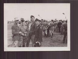 Photo ( 10.5 X 7.5 Cm ) Réunion De Soldats ( 1948 ) - Guerra, Militari