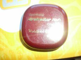Sporthotel Grefrather Hof Grefrath Waldhotel Eskeshof Wuppertaler    Soap - Materiale Di Profumeria