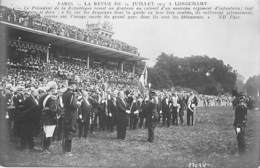 EVENEMENT ( Militaria ) PARIS Revue Du 14 Juillet 1913 à LONGCHAMP Le Président Remet Un Drapeau à Un Nouveau Régiment . - Andere