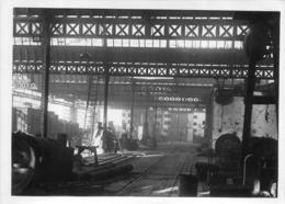 CALAIS  GARE TRIAGE SABOTEE  LE 12/09/1944 PAR LES ALLEMANDS ET BOMBARDEE PAR LA R.A.F.  PHOTO ORIGINALE 17 X 12.50 CM - Lugares