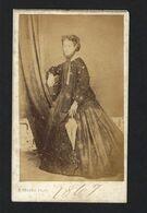 Fotografia Antiga TERESA AMELIA 1860s E.KNOPFLI Photographe. Old CDV Photo Identified Woman PORTUGAL - Ancianas (antes De 1900)