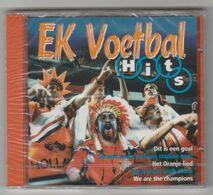 CD EK1996 Voetbal-soccer-football-füsball Hits Smik-smak 1996 - Musique & Instruments
