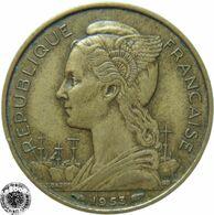 LaZooRo: Madagascar 20 Francs 1953 XF - Madagaskar