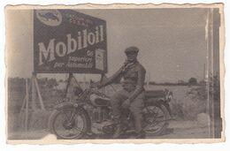 MOTOCICLETTA NON IDENTIFICATA   - MOTORCYCLE  -  MOBILOIL - FOTO CARTOLINA ORIGINALE - Automobili