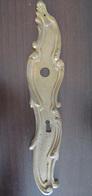Ornement De Serrure - Grande Entrée De Serrure En Bronze - Longueur : 27cm, Poids : 238 Grammes - 18e Ou 19e Siècle - Bronces