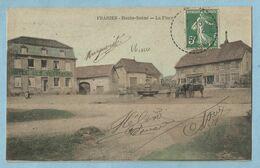 UR0079  CPA  FRAHIER (Haute-Saône)  La Place   +++++++ - Andere Gemeenten