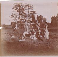 Photo Originale 1900  Château De Bouillon Baulers ? Famille Noblesse Groupe En Extérieur - Orte