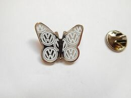 Beau Pin's , Auto VW Volkswagen , Papillon - Volkswagen