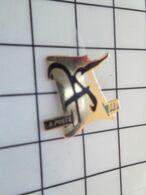 715b Pin's Pins / Beau Et Rare / THEME : POSTES / Tirage Numéroté LA POSTE DE ???? - Post