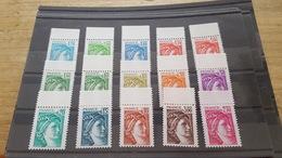 LOT513975 TIMBRE DE FRANCE NEUF** LUXE N°1962 A 1979 SANS PHOS SIGNE CALVES VALEUR 500 EUROS - Collections