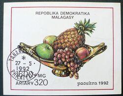 1992 Malagasy Used-  Fruits Pineapple Apple Grapes Grape Uva Raisin - Madagaskar (1960-...)