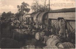 FR66 RIVESALTES - Clara 18 - Gare De Rivesaltes - Remplissage Des Wagon Réservoirs - Wagons Foudres - Animée - Belle - Rivesaltes