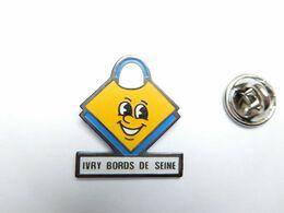 Beau Pin's , Ivry Bords De Seine - Cities