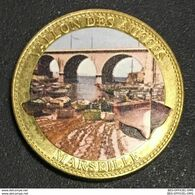 13 MARSEILLE VALLON DES AUFFES MÉDAILLE TOURISTIQUE ARTHUS-BERTRAND 2011 EN COULEURS JETON MEDALS COINS TOKENS - Arthus Bertrand