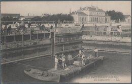 La Pallice Rochelle , Un Scaphandrier , Animée - La Rochelle