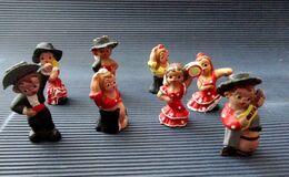 8 Anciennes Petites Figurines Espagnoles En Terre Cuite  Peinte - Groupe Flamenco - Espagne - Altri