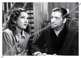 Postcard   REPRODUCTION   Jean Arthur And Ronald Colman In The Talk Of The Town (1942)   Cinema   Actors - Actores