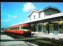 TRAIN Autorail  Type Caravelle    - Gare De CERCY LA TOUR ( 58 Nièvre) Ligne Nevers Chagny - Otros Municipios