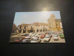 CP BEAUMONT DU PERIGORD - La Place Des Arcades ( Voitures Années 70/80 - Citroen Peugeot Simca Matra Renault R5 ...) - Otros Municipios