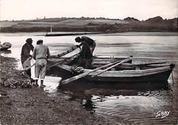 29 FINISTERE Barque Et Filets De Pêcheurs De Saumons Du POULDU - Le Pouldu
