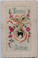 CARTE BRODEE - Bonne Année  - Carte Avec Médaille Chat Noir - New Year