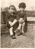 FAMILIE  UIT  LINCE     -  GEMEENTE  SPIMONT   PROVINCIE   LUIK  - 1933   -   11.50  OP  8.50  CM - Ohne Zuordnung