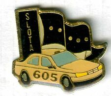 Pin's Voiture Automobile Peugeot 605 Taxi Slota - Peugeot