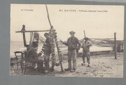 CPA - 29 - Ile Tudy - Pêcheurs Réparant Leurs Filets - Ile Tudy