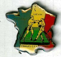 Pin's Boxe Boxing Liévin 1992 Finale CFA Senior Carte De France - Pugilato